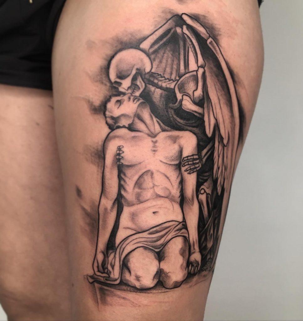 tatuaje esqueleto alado