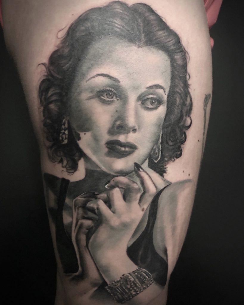 tatuaje realista mujer